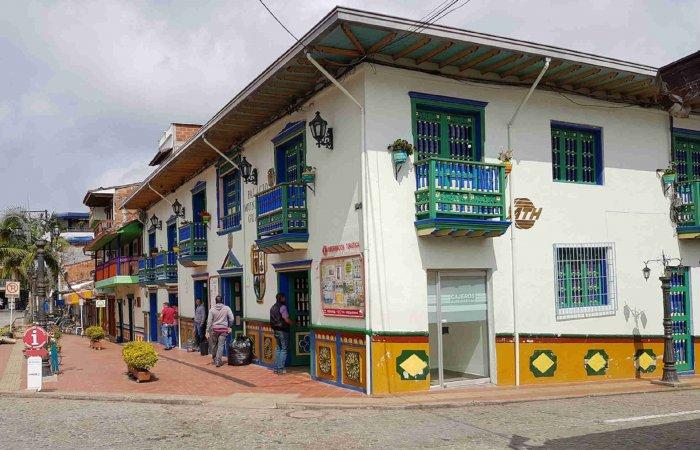 Town, Guatape