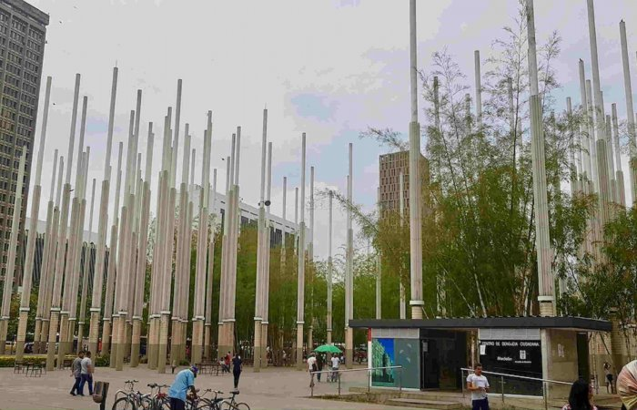 Plaza Cisneros, Medellin