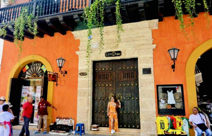 Door, Cartagena