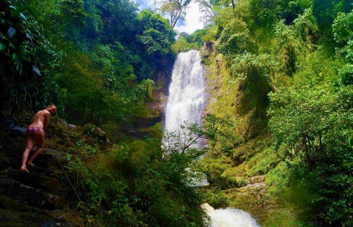 Waterfall, Juan Curí