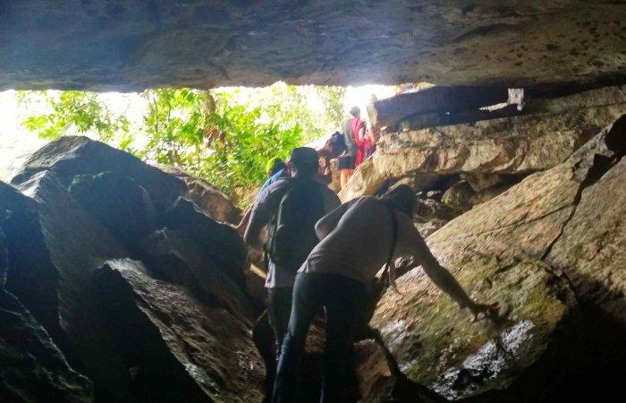 Cave Cerro Azul