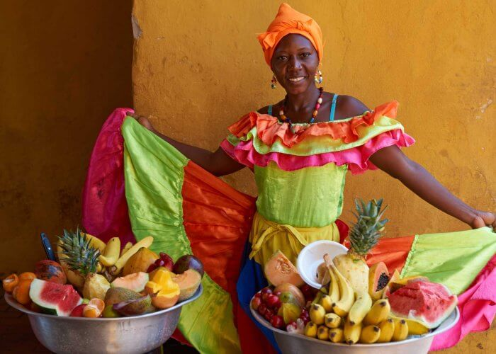 Palenquera selling fruits in Cartagena